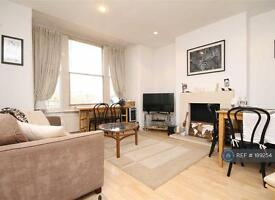 2 bedroom flat in Lonsdale Road, London, SW13 (2 bed)