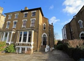 HUGE 2 BED FLAT TO RENT - SURBITON - ONLY £1,175 PM