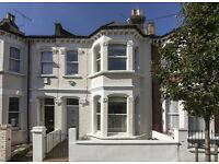 A well presented 4 bedroom House in an excellent location near tube, restaurants and shops.