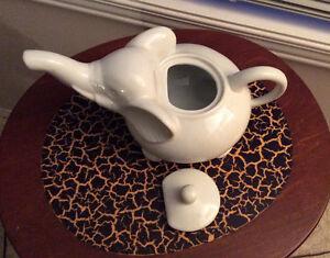 BABAR - white elephant teapot Edmonton Edmonton Area image 3