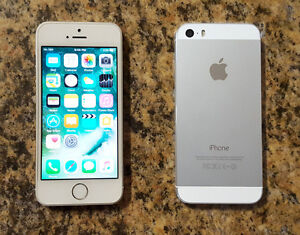 2 iPhone 5S Bell/Virgin 16GB, Gold & Silver, Mint condition