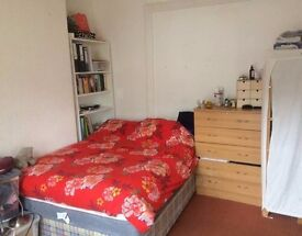 ALL-INCLUDED, NO AGENCY FEE - Large Double Room in North London *Manor House* *Turnpike Lane*