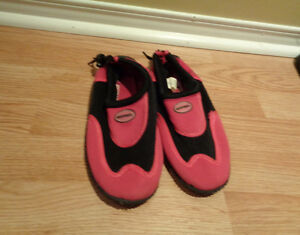 Size 4 water shoes