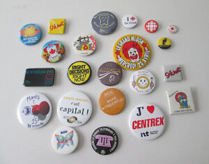 22 Collectible Pins 22 Epingles