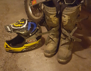 DIRT BIKE HELMET AND BOOTS (THOR)