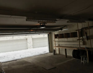 Double garage to rent