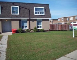 Fully Renovated Townhouse end unit.$1,450.