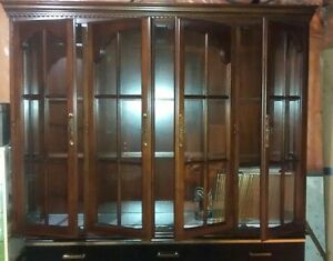 CHINA HUTCH TOP \ DISPLAY CASE \ STORAGE London Ontario image 1