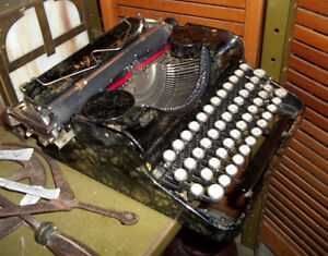 #greenspotantiques Fantastic special edition Olympia typewriter, Cambridge Kitchener Area image 8