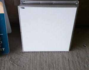 White boards/Dry erase boards