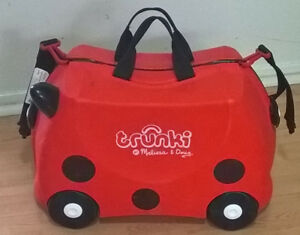 MELISSA & DOUG Trunki  Ride-On Trixie Rolling Suitcase, Red