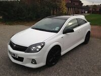 Vauxhall Astra 2.0 i 16V VXR Arctic Edition 3dr for sale.