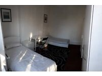 Beautiful twin room near Turnpike Lane station