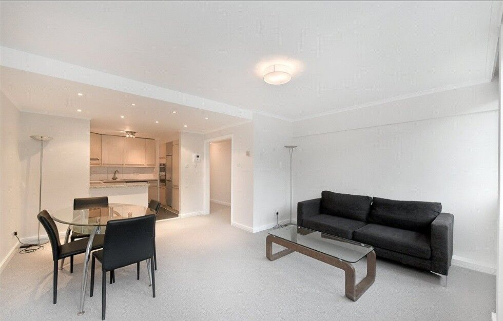 Green Park**St James's Park**Furnished two bed flat for long let