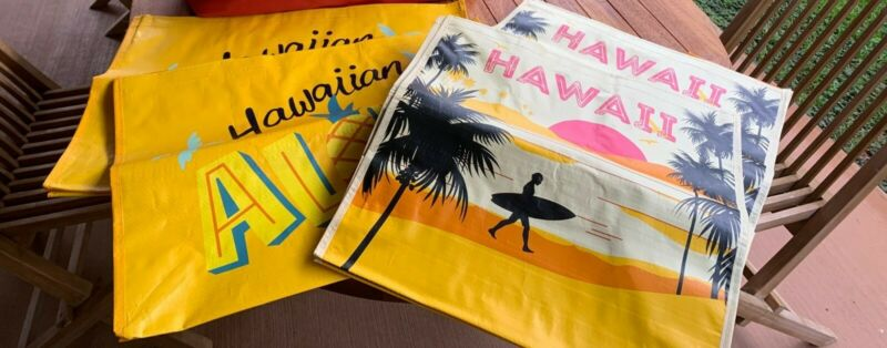 Hawaii Costco Exclusive Reusable Eco Friendly. 2 XLarge & 2 Large Shopping Bag