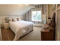 Large en suit king size bedroom Farnham