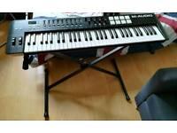 M-Audio Oxygen 61 MIDI Keyboard + Stand