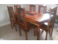 STUNNING, SOLID DINING ROOM TABLE AND 6 CHAIRS*