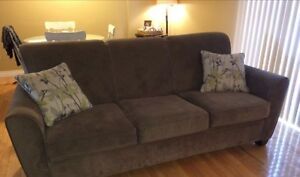 Beautiful couch!!
