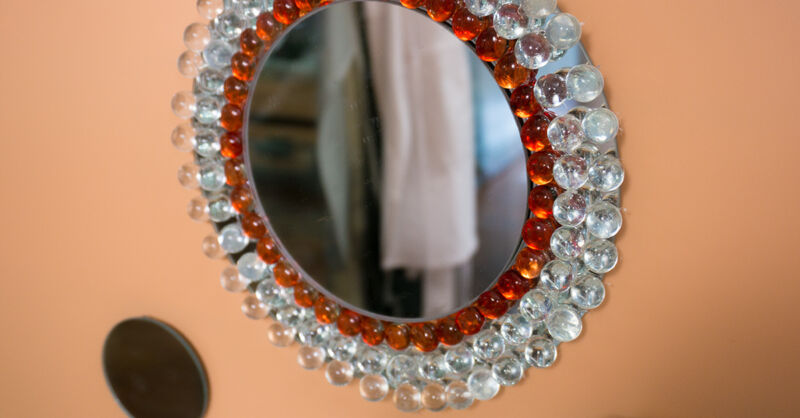 Create A Beautiful DIY Mirror Using Marbles