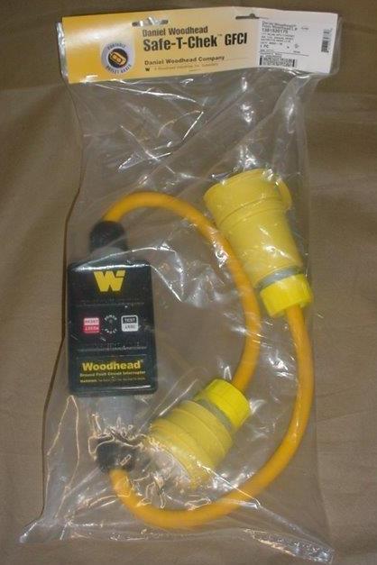NEW Woodhead Molex SAFE-T-CHEK WATERTITE GFCI 125V 30A PLUG & Connector 30052-M1