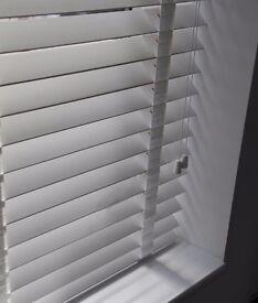 Blind 6ft+XL White Wooden