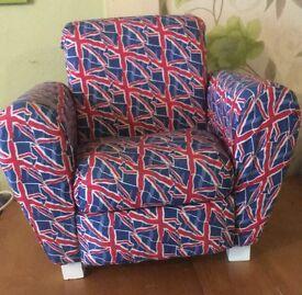 Kids Union Jack arm chair