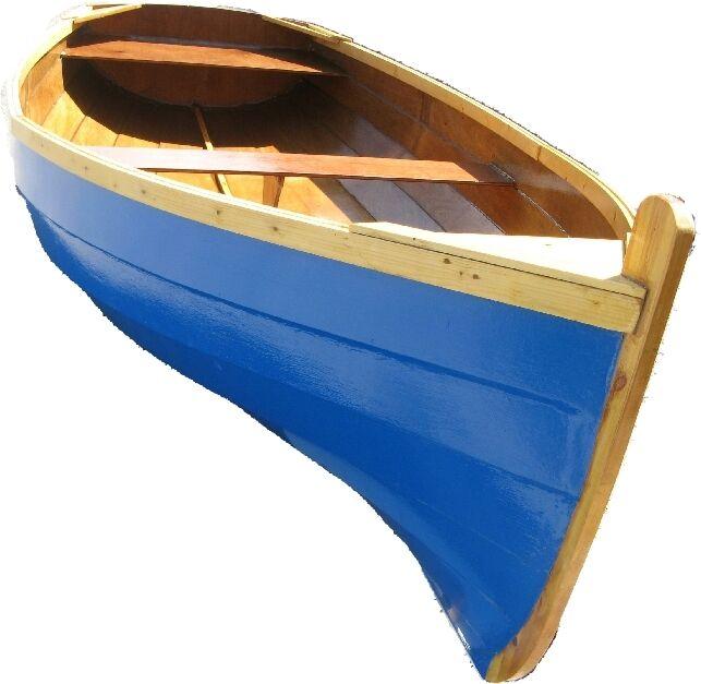 лодка из фанеры на воде
