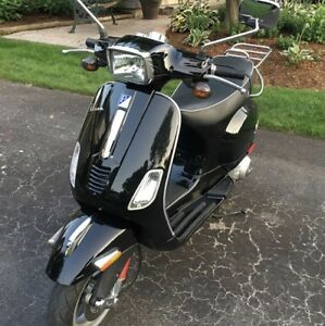 2011 VESPA S 150 IE Scooter Black RARELY SEEN!