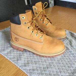 MENS SIZE 10 TIMERLAND WHEAT BOOTS