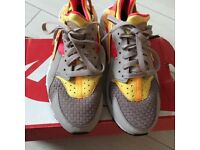 972f4d0359be Multi coloured Nike huaraches size 4.5 38