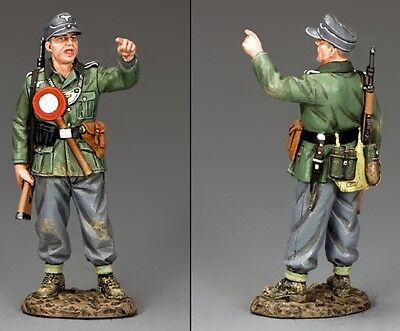KING & COUNTRY WW2 GERMAN ARMY WH059 MILITARY POLICEMAN MIB