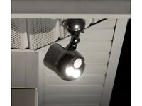 Mr Beams 3-Pack Weatherproof Wireless Battery Powered LED Outdoor Lights MB393