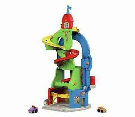 Fisher price little people sit 'n' stand building