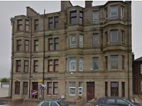 2 bed flat in Paisley - 10 minute walk from town centre