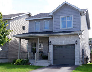 Beautiful modern detached house at east end of Kingston
