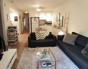 OCT 1st-- $560 beautiful 4 1/2 in Plateau/Mile End