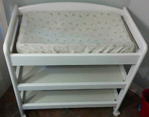change table baby bathing changing deals locally in. Black Bedroom Furniture Sets. Home Design Ideas
