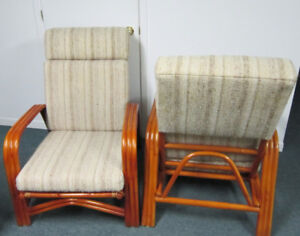 2 CHAISES DE ROTIN, BAMBOU, RATTAN, BAMBOO OR CANE CHAIRS.