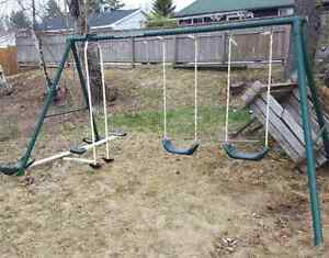 Pending pickup! Free swing set -You pick up.