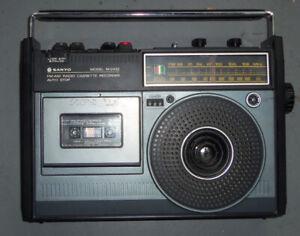 Amplifier, karaoke mixer, boombox, 8 track, juke box - price 4 e