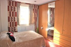 Clean & Spacious 2 dbl bed first floor maisonette
