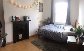Double room 3 weeks summer let - close to Kings Cross