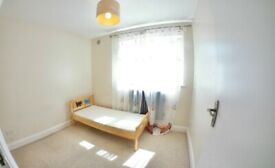 2 Bed + 1 Bath Ground Floor Flat with communal garden and parking