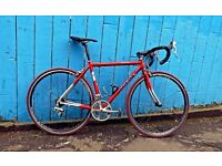 "Trek Road Bike. Very Good Condition. For 5'9""- 6'1"" (175-186cm), cheaper because of scratch"