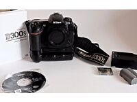 Nikon D300S 12.3 mp DSLR EXCELLENT CONDITION