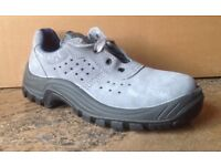 Size 6 BRAND NEW AUDA Saftey Shoes with Steel Toe Cap