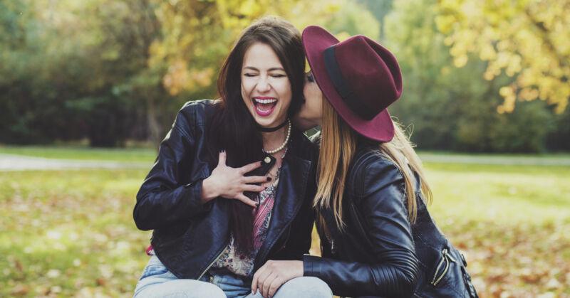 Erzähl einen Witz und bring Deine Freunde zum Lachen, denn: Lachen ist gesund!
