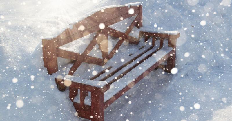 Mit den richtigen Tipps können Schnee und Eis deinen Möbeln nichts anhaben. (© Thinkstock via The Digitale)
