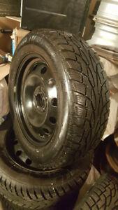 4 pneu d'hiver UNIROYAL 225 60R 17 et Jantes comme neuf (5x114.3
